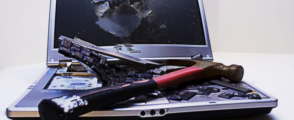 kırık bilgisayar